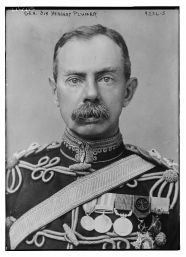Herbert_Plumer,_1st_Viscount_Plumer_in_1917